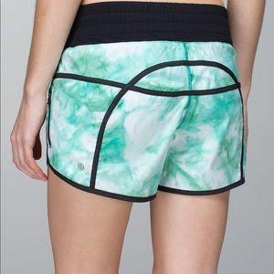 Lululemon Tracker Shorts Size 6